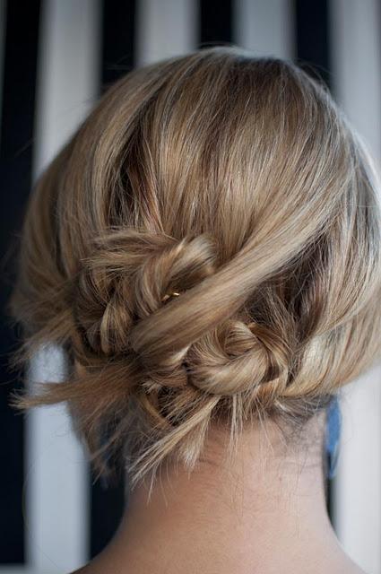 HairRomance-TwistPin-SideChignon-hairstyle-updo