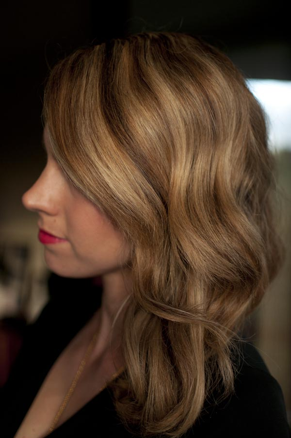 How to Wave Hair with Curling Iron