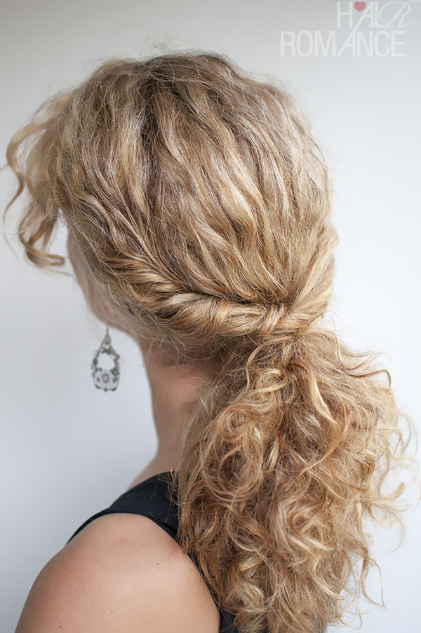 trick for the perfect curly hair ponytail , this curly hair tutorial