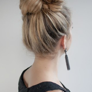 Hair Romance - 30 Buns in 30 Days - Day 2 - Messy high bun