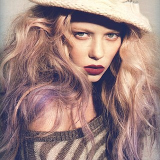 Hair Romance - Big purple hair - Grazia 1