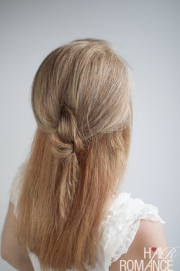 Knot your average half pony hairstyle tutorial - @HairRomance