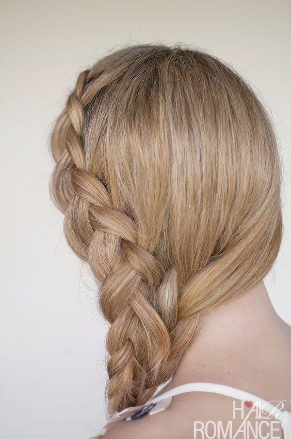 Hair Romance - a Dutch mermaid side braid