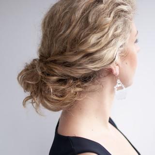 Hair Romance - curly hairstyle - the twist-tuck bun