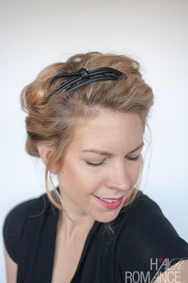 Hair Romance - curly hairstyle tutorial - easy headband roll