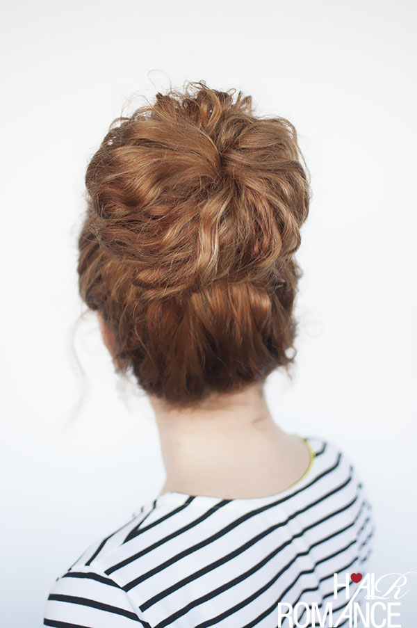 Hair Romance - curly hair how to - the top knot tutorial