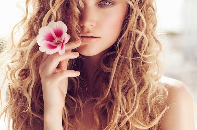 Beach hair by Lina Tesch