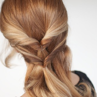 Hair Romance - the topsy tail twist hairstyle tutorial - click through for tutorial