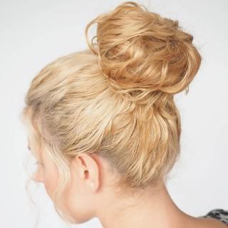 Hair Romance - 30 Curly Hairstyles in 30 Days - Day 23 - Donut Bun
