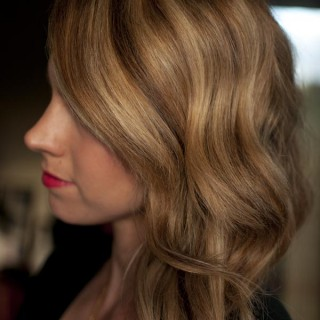 How to get perfect waves with the Modiva Professional curling iron