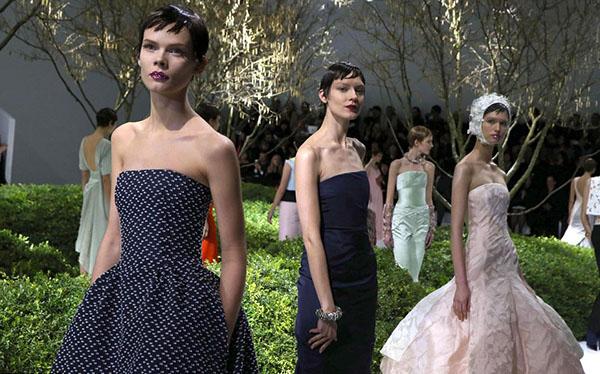 Christan Dior Couture runway - Pixie crop hair - Jan 2013