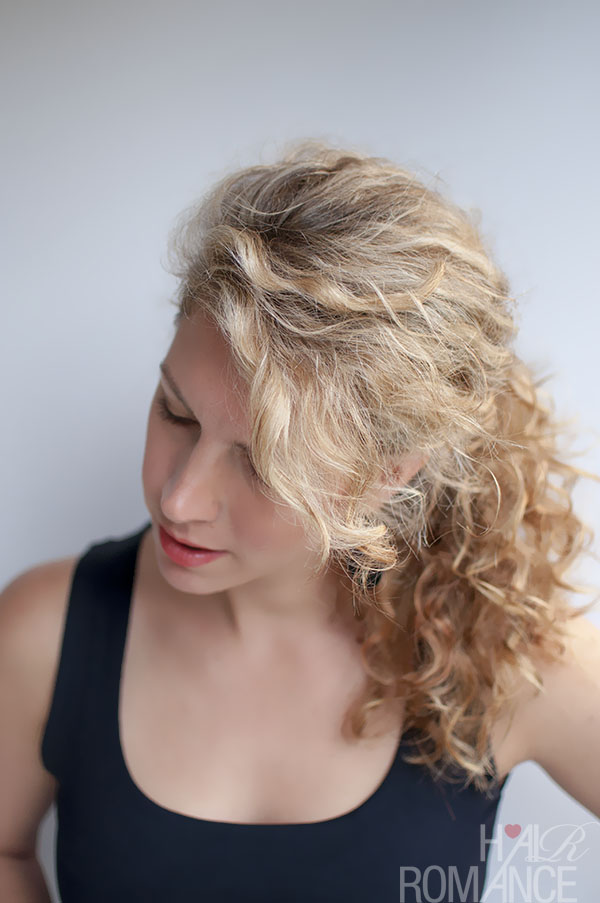 Hair Romance curly hair tutorial - the curly ponytail