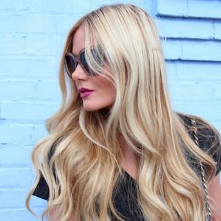 Big Hair Friday – Barefoot Blonde