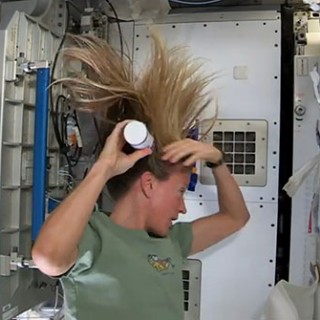 how to wash your hair in zero gravity - international space station