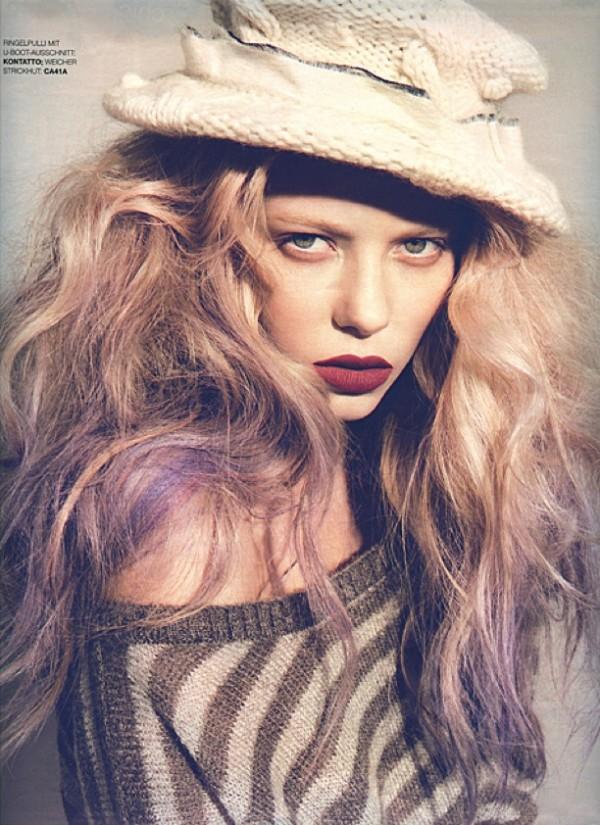 Hair Romance - Big purple hair - Grazia 1