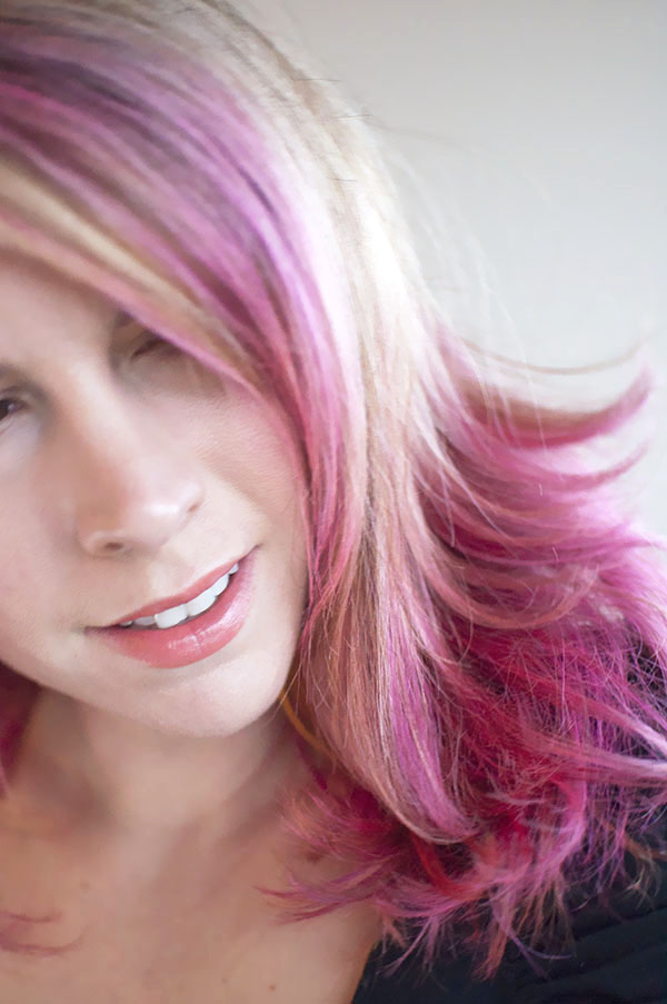 Hair Romance - Pink highlights