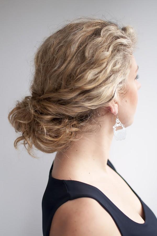 Hair Romance - curly bun