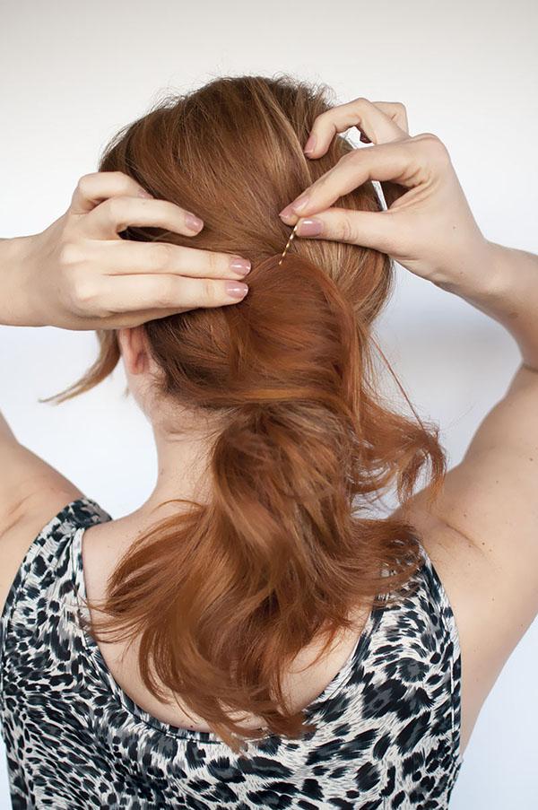 Hair Romance - perfect messy ponytail steps