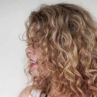 Curls Week – Why does curly hair curl?