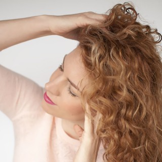 The easy 5 min trick for beautiful hair (and it's free!)