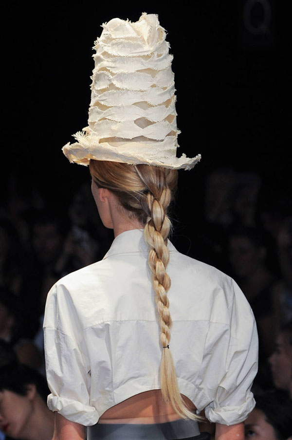 Chain link braid at Donna Karan NYFW SS15