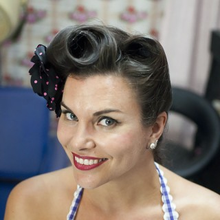 Betty bangs vintage hair tutorial with the fabulous Miss Pixie