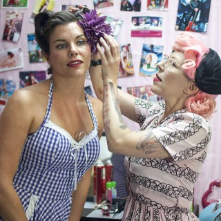 Victory Rolls vintage hair tutorial with the fabulous Miss Pixie
