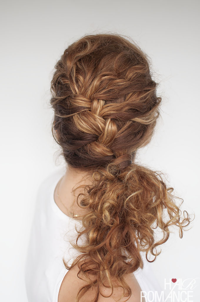 Easy everyday curly hairstyle tutorials \u2013 the curly side braid
