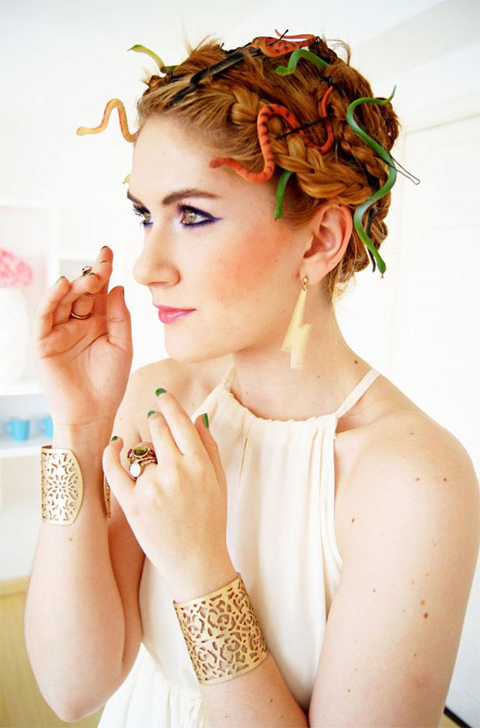 Halloween hairstyles - Medusa by Joy of Fashion Blog