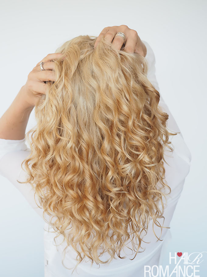 Hair Romance - how to style curly hair with gel