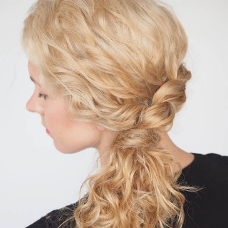 30 Curly Hairstyles in 30 Days – Day 16