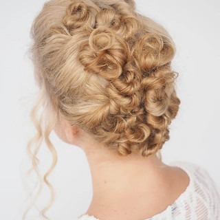 30 Curly Hairstyles in 30 Days – Day 26