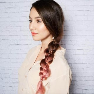 3 easy everyday hairstyles you can do in under 3 minutes