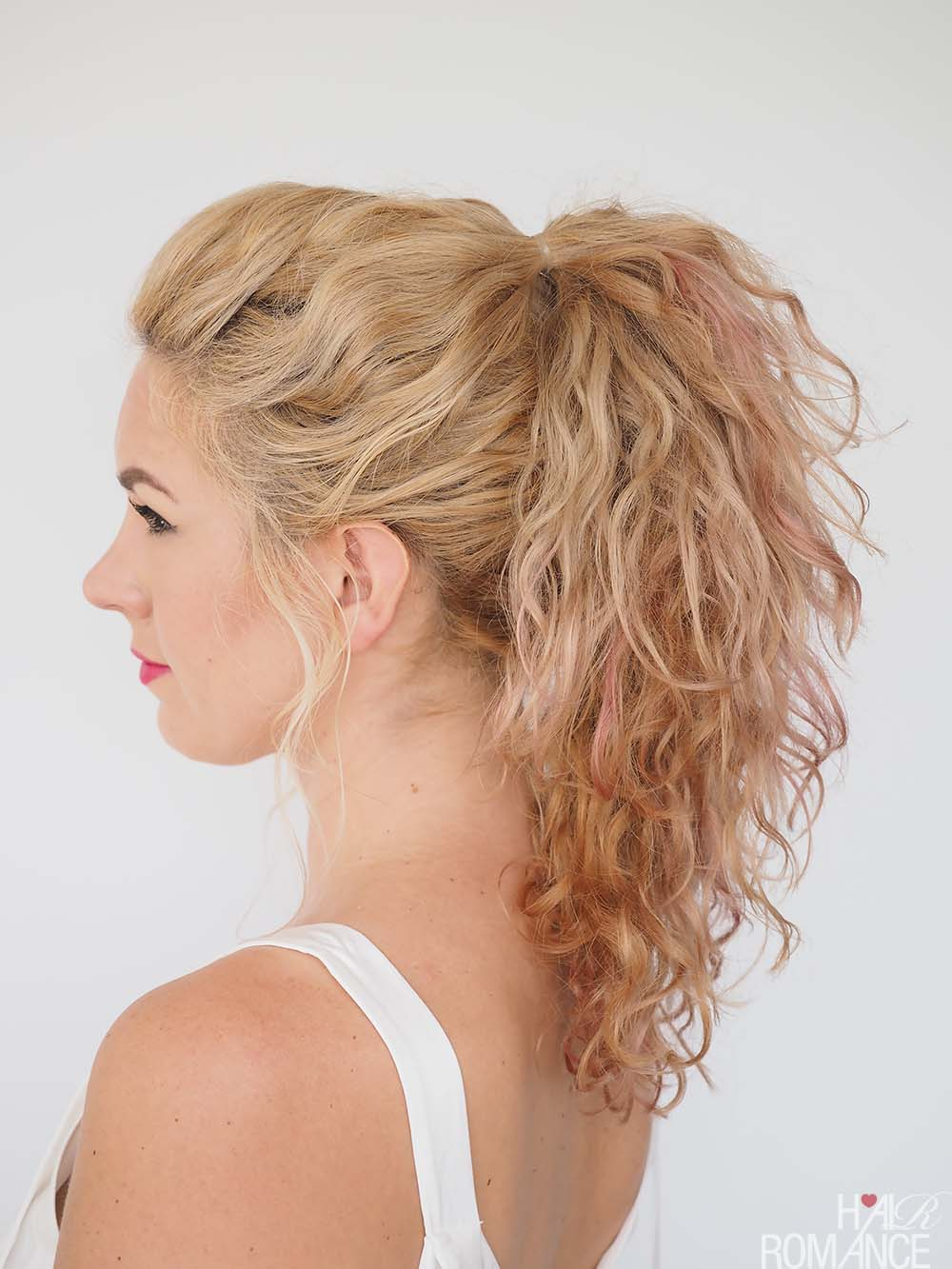 Trick ponytail tutorial for curly hair