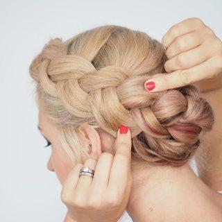 Anti-frizz braid tutorial – humid weather hairstyles