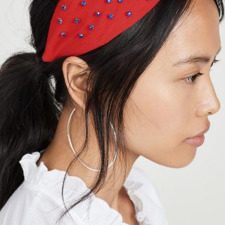 Hair trends: Pins & accessories